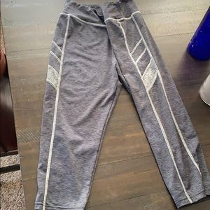 Gray Capri leggings-barely worn size L